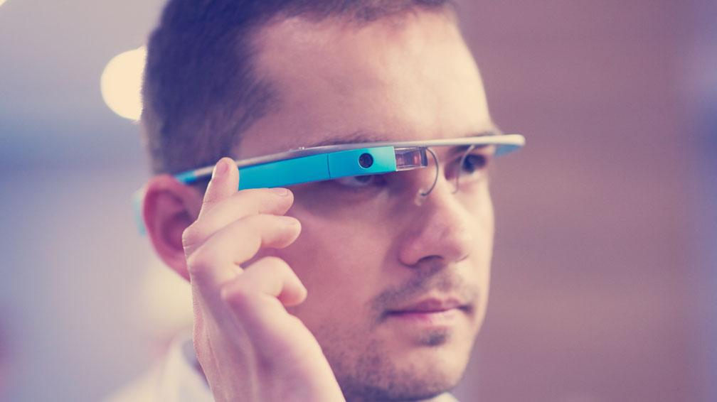 Qu'est-ce que la réalité augmentée ? Pourquoi est-elle si utile dans l'industrie du béton ?